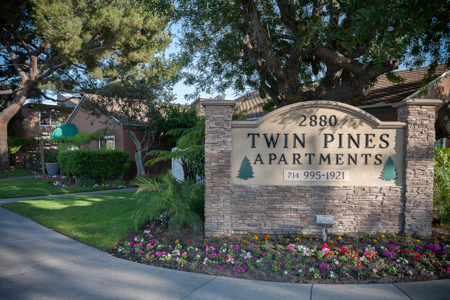 Call Now And Schedule Your Tour At Twin Pines Apartments In Anaheim, CA.