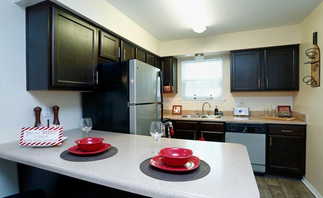 NOW LEASING FULLY RENOVATED ONE, TWO, U0026 THREE BEDROOM APARTMENT HOMES.
