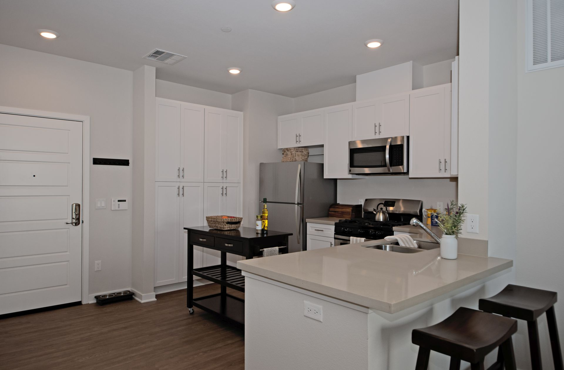 IMT Sherman Circle - BRAND NEW PHASE 2 NOW OPEN!Featuring Two and Three Bedroom Apartments and Townhomes Leasing Office:  14645 Gault St