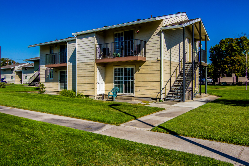 Sagebrush Apartments-Buttercreek