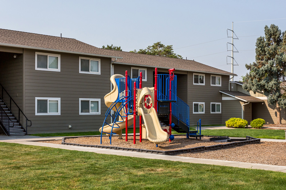 Sagebrush Apartments-Fairview